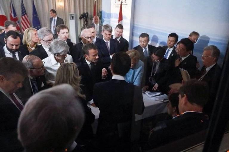 Foto do mesmo momento do G7 feita pela Presidência francesa