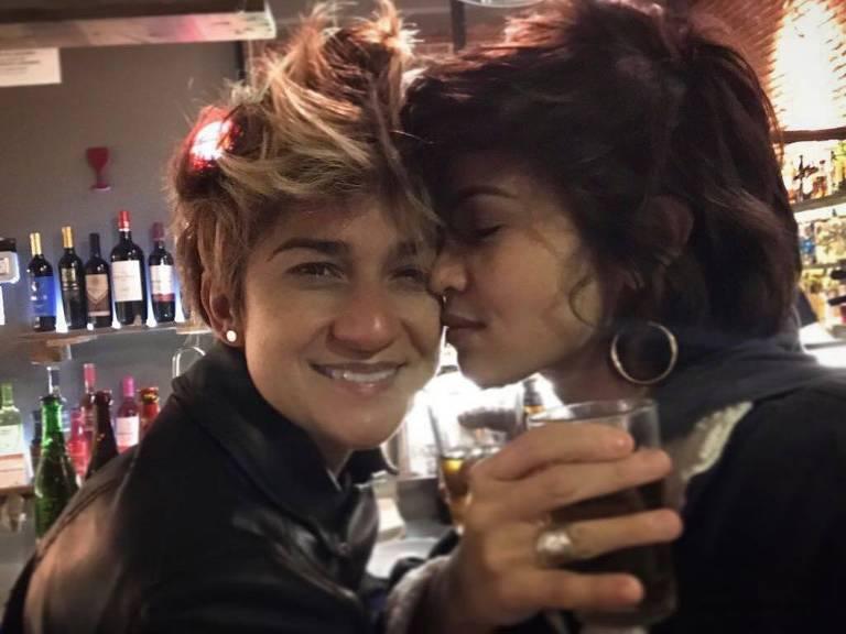 Nanda Costa posta foto com Lan Lanh no Dia dos Namorados