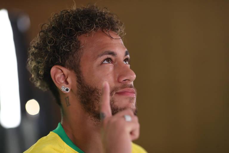 Seleção brasileira faz fotos oficiais para a Copa