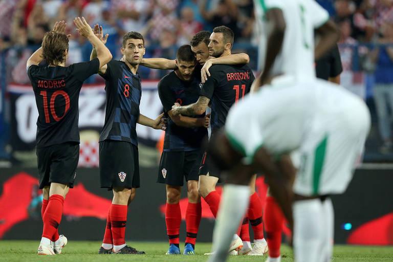 Comemoração durante amistoso entre Croácia e Senegal, em Osijek