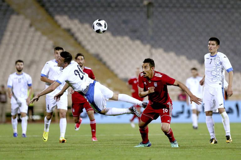 Lance de amistoso contra o Uzbequistão, em Teerã, o qual o Irã venceu por 1 a 0