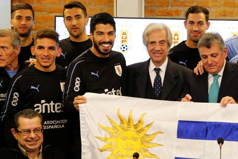 Presidente do Uruguai Tabaré Vázques, em visita ao centro de treinamento da seleção