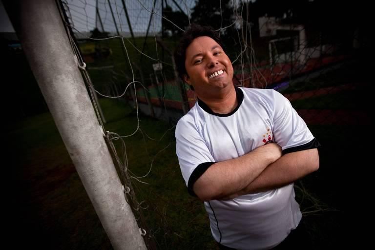 O humorista Alexandre Porpetone, estrela de A Praça É Nossa