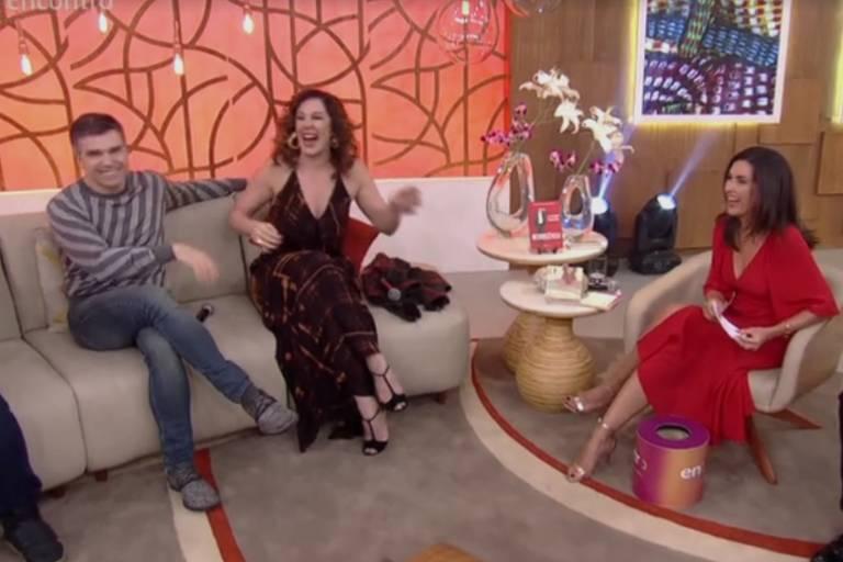 Fátima Bernardes durante programa especial de Dia dos Namorados
