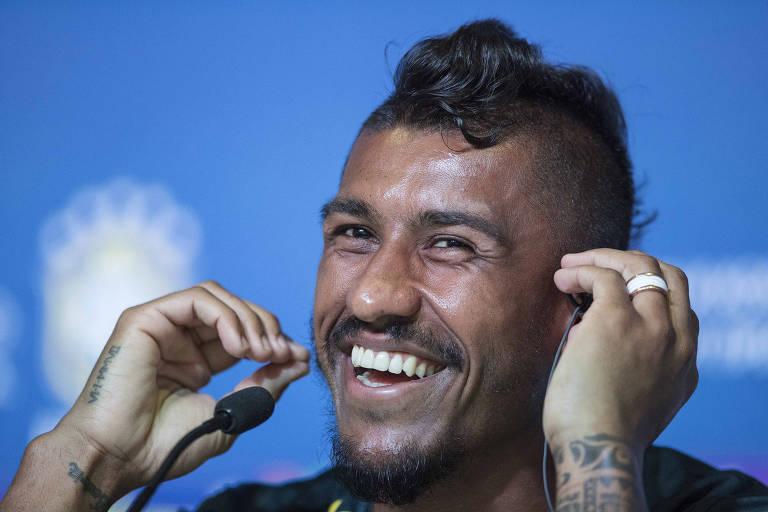 Paulinho concedeu entrevista coletiva nesta quarta-feira (13), em Sochi