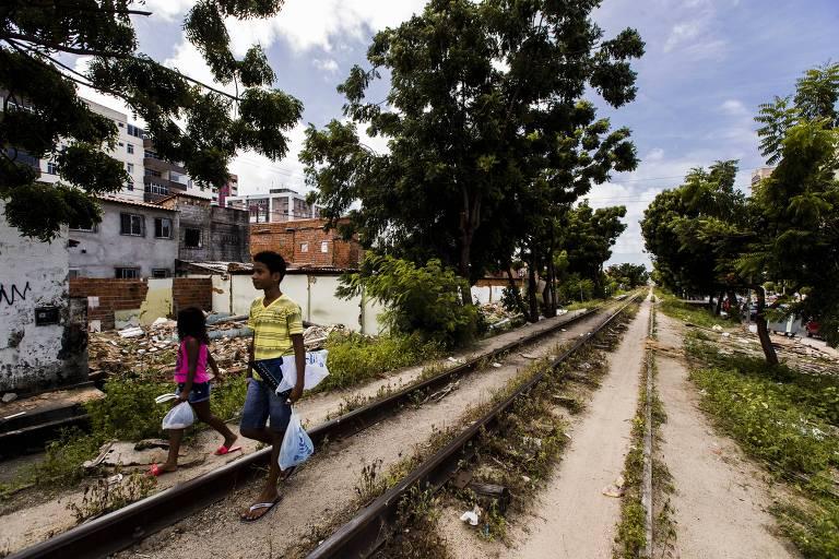 Obras para a Copa de 2014 seguem inacabadas no país