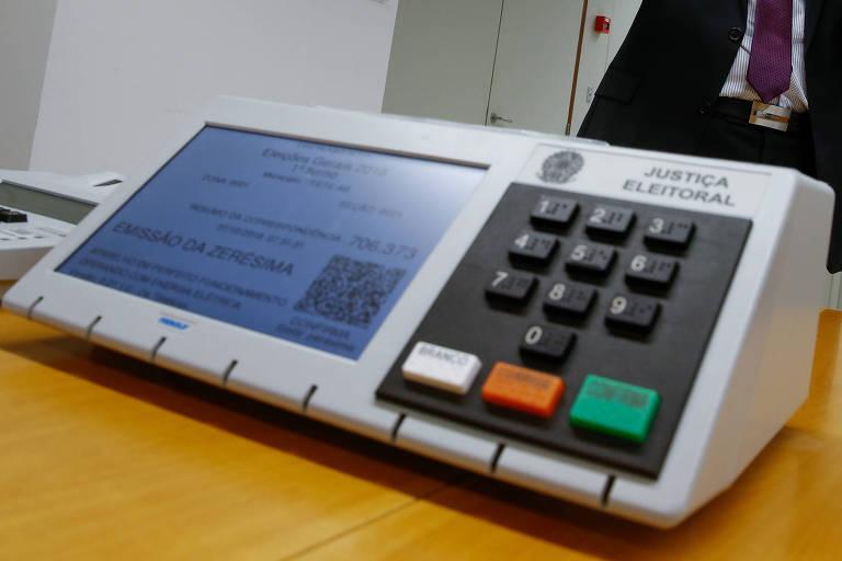 Modelo de urna eletrônica usadas nas eleições no Brasil
