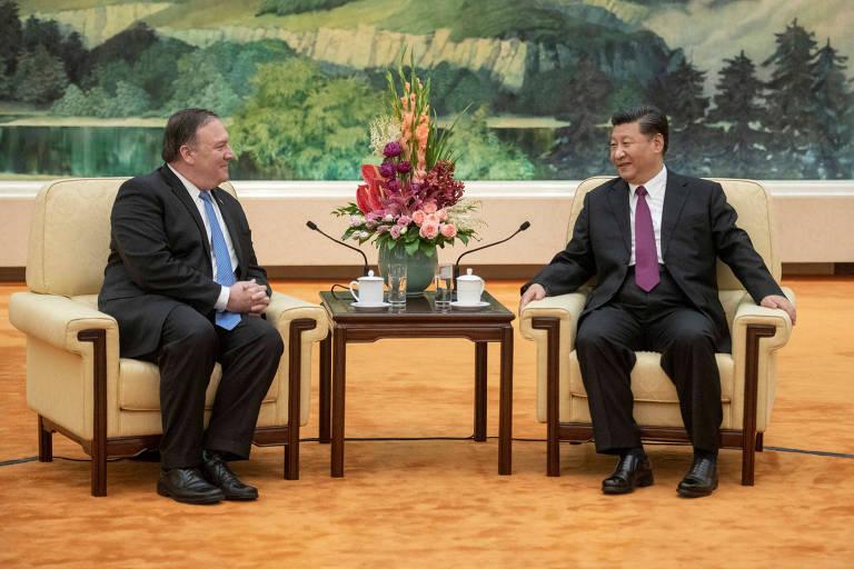 O secretário de Estado dos EUA, Mike Pomeo, e o presidente chinês Xi Jinping durante encontro em Pequim