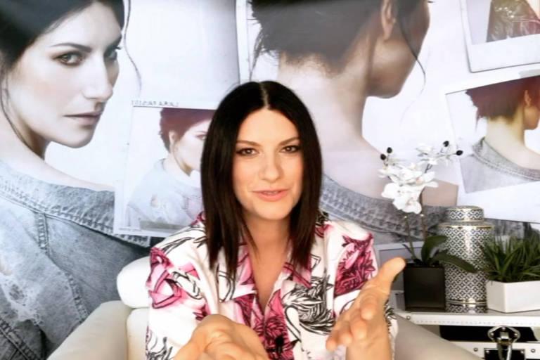 Laura Pausini conversa com Faa Morena no programa Ritmo Brasil