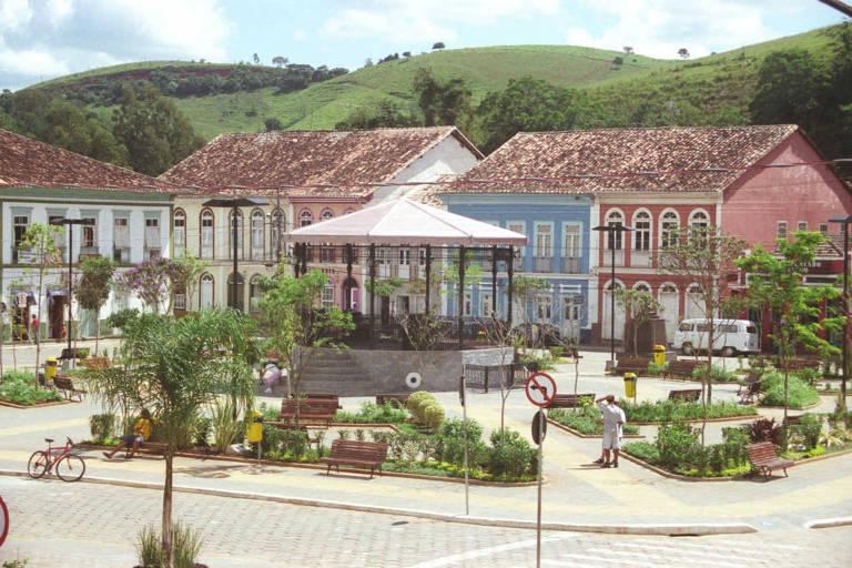 Praça no centro de São Luiz do Paraitinga