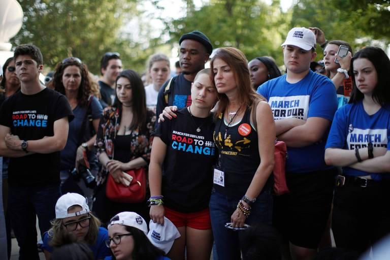 O ato promovido em Chicago por estudantes que sobreviveram a ataque com arma de fogo que matou 17 pessoas em Parkland, na Flórida