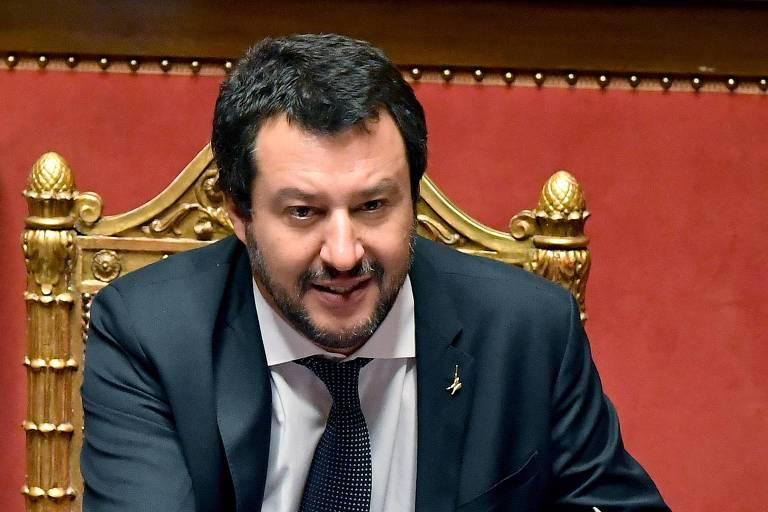 O ministro do Interior, Matteo Salvini, que reafirmou neste sábado (15) que a Itália manterá a proibição de navios com imigrantes ilegais aportarem na Itália