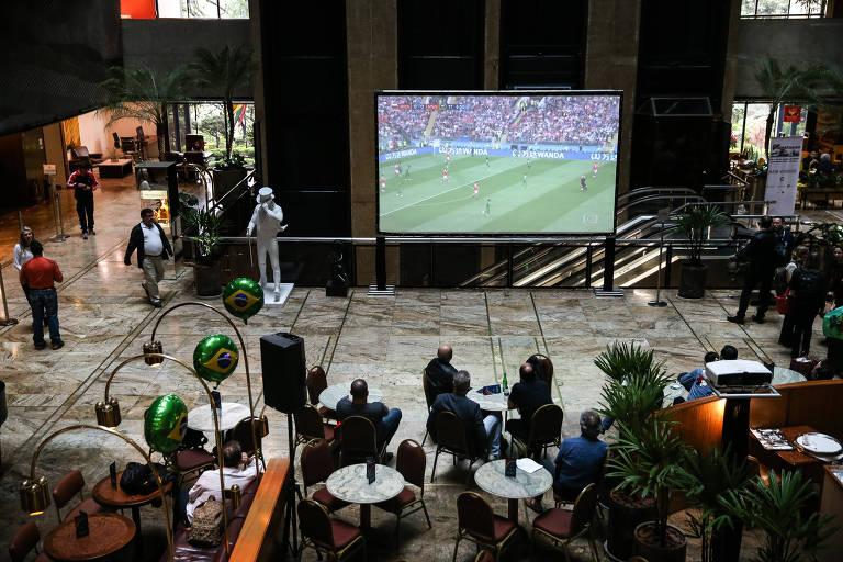 Hotel Maksoud Plaza instalou telão para hóspedes assistirem aos jogos