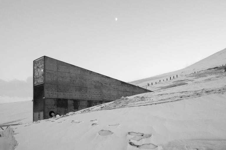 Cofre Global de Sementes, localizado nos arredores de Longyearbyen, no arquipélago de Svalbard, Noruega