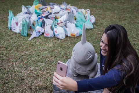 SÃO PAULO, SP, BRASIL, 16-06-2018: Encontro de jogadores de  Pokémon GO no Parque do Ibirapuera. (Foto: Bruno Santos/ Folhapress) *** FSP-COTIDIANO *** EXCLUSIVO FOLHA***