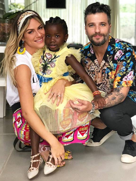 Titi Ewbank Gagliasso ganha festa pelos seus cinco anos no Rio