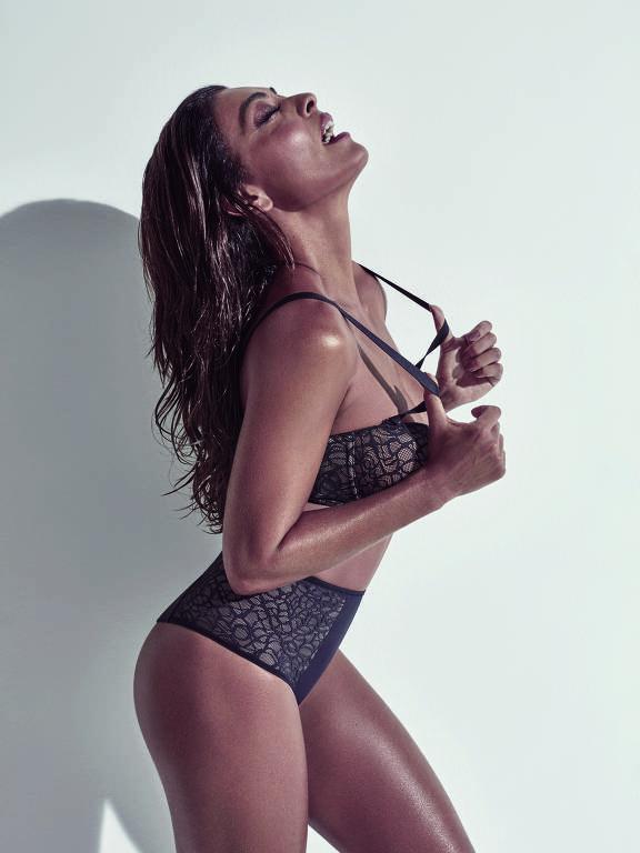 Juliana Paes lança coleção de lingerie