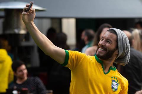 SAO PAULO, SP, BRASIL, 17.06.18 14h Primeiro jogo do Brasil na Copa do Mundo de 2018, na Arena Renaissance nos Jardins. (Foto: Marcus Leoni/Folhapress FOTO)