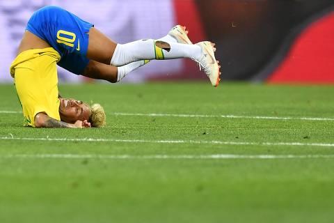Após sair na frente, Brasil mudou forma de jogar e foi punido
