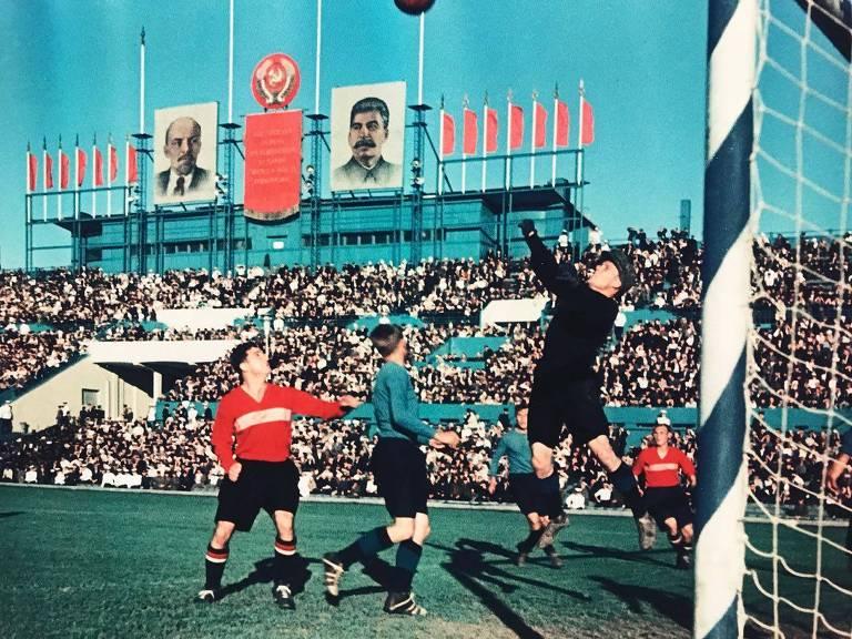 Exposição mostra as origens do futebol na Rússia