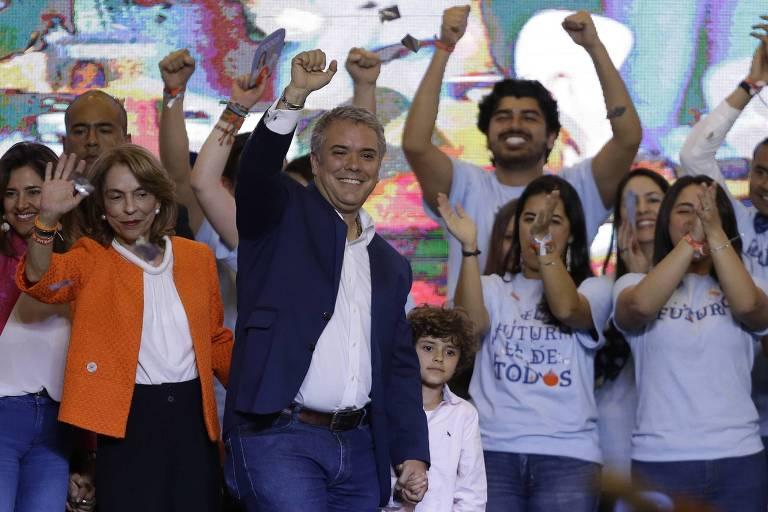 Iván Duque, presidente eleito da Colômbia, faz discurso da vitória em Bogotá, no domingo (17)