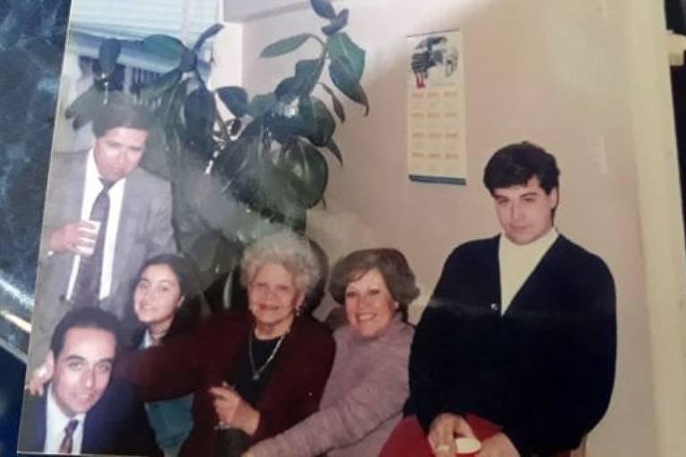 Mauricio Pulgar (à direita) disse que chegou a ser proibido de ver a família