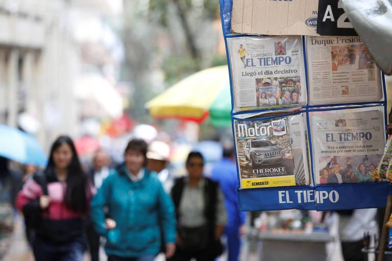 Um dia após eleição na Colômbia, Bogotá troca política por Copa