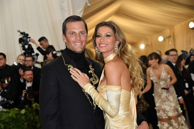 Gisele Bündchen e o marido, Tom Brady, no Met Gala