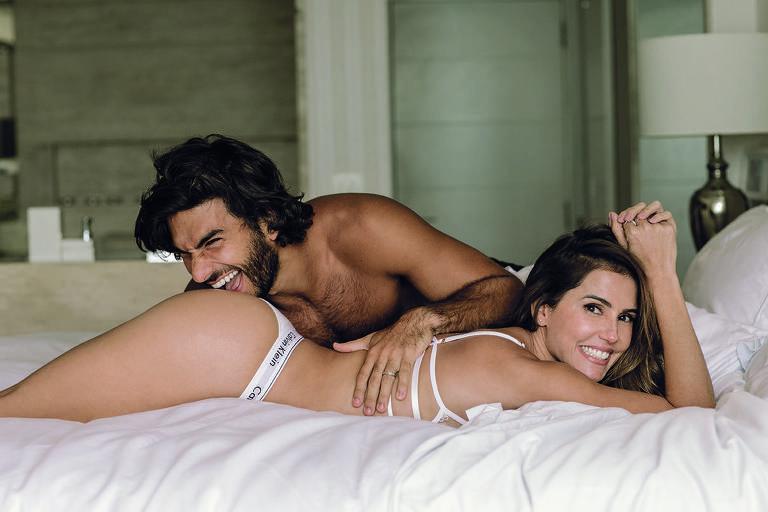 Deborah Secco e o marido, Hugo Moura, em ensaio para a revista Trip