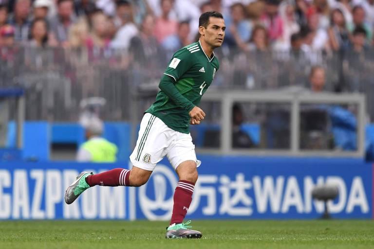 O veterano meio-campista Rafael Marquez, do México, em ação no jogo contra a Alemanha, no último domingo (17), pela Copa do Mundo da Rússia