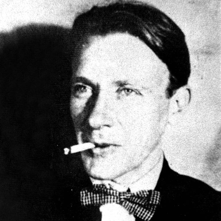 bulgakov com cigarro