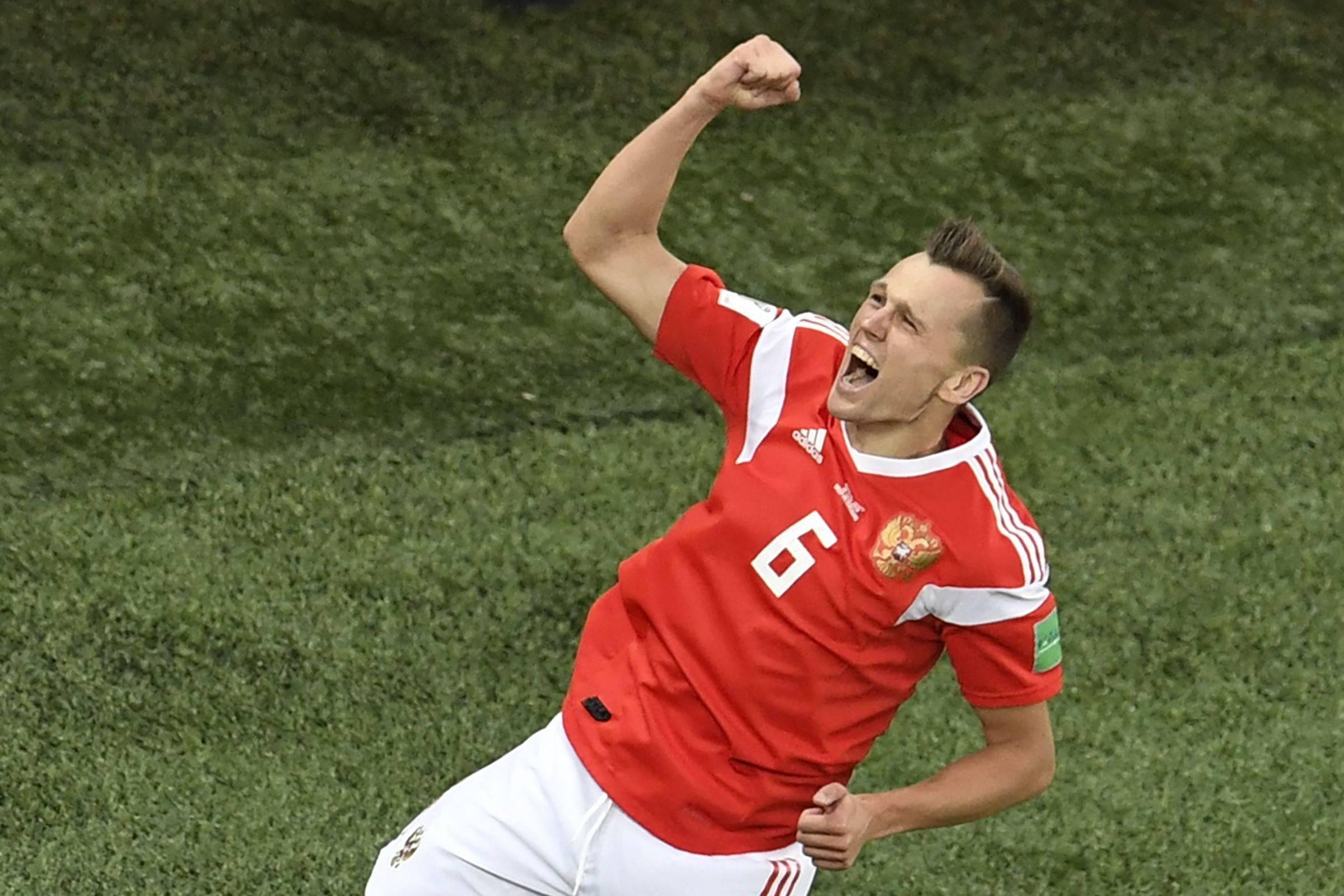 Rússia empolga e vibra com estrela de atacante formado na Espanha -  19 06 2018 - Esporte - Folha 4ada7e6a8ec52