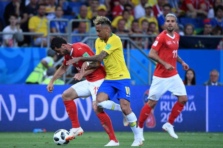 Neymar em um lance da partida da seleção contra a Suíça
