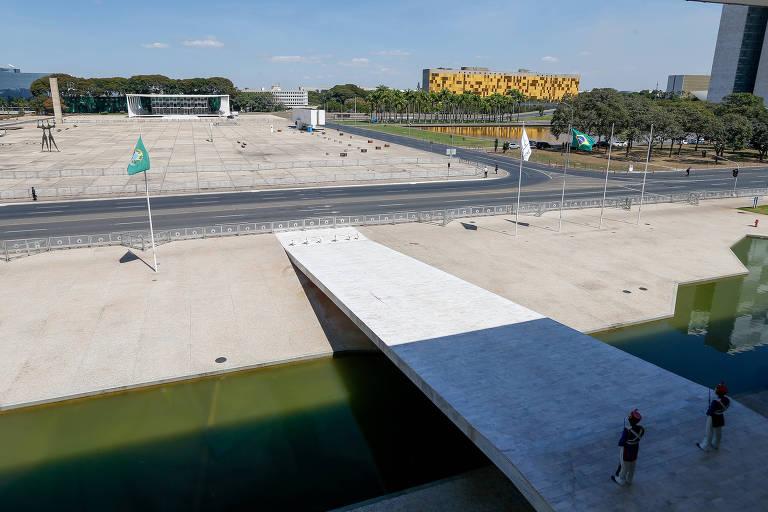 Praça dos Três Poderes, vista a partir do Palácio do Planalto