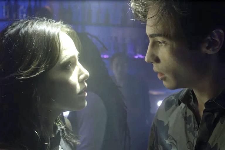Rosa revela a Valentim que Remy já foi seu cliente