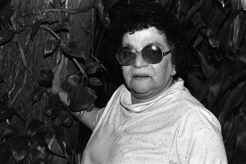 Música: a cantora Aracy de Almeida posa para foto. (27.06.1985. Manoel Pires/Folhapress)