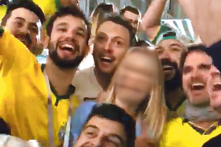 Brasileiros incentivaram russa a repetir palavras obscenas em português