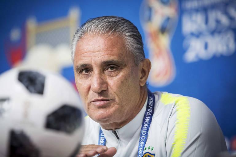 Tite fala com a imprensa na véspera da partida do Brasil contra a Costa Rica