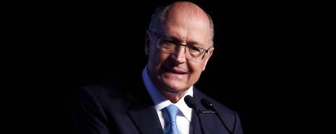 (180618) -- SAO PAULO, junio 18, 2018 (Xinhua) -- El precandidato presidencial brasileño por el Partido Social Demócrata Brasileño (PSDB), Geraldo Alckmin, reacciona durante el congreso UNICA Forum 2018, en el Teatro Principal del World Trade Center, en Sao Paulo, Brasil, el 18 de junio de 2018. De acuerdo con información de la prensa local, el UNICA Forum, creado en 2016, es un congreso de un día de duración enfocado en los temas más relevantes que mueven el sector sucroenergético en Brasil y en el resto del mundo, y este año los organizadores invitaron a 13 precandidatos presidenciales brasileños a participar en el debate. (Xinhua/Rahel Patrasso) (rp) (cr) (rtg)
