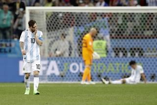 4ba6eaf32af Técnico da Argentina ganha sobrevida para não repetir vexame de seu ...
