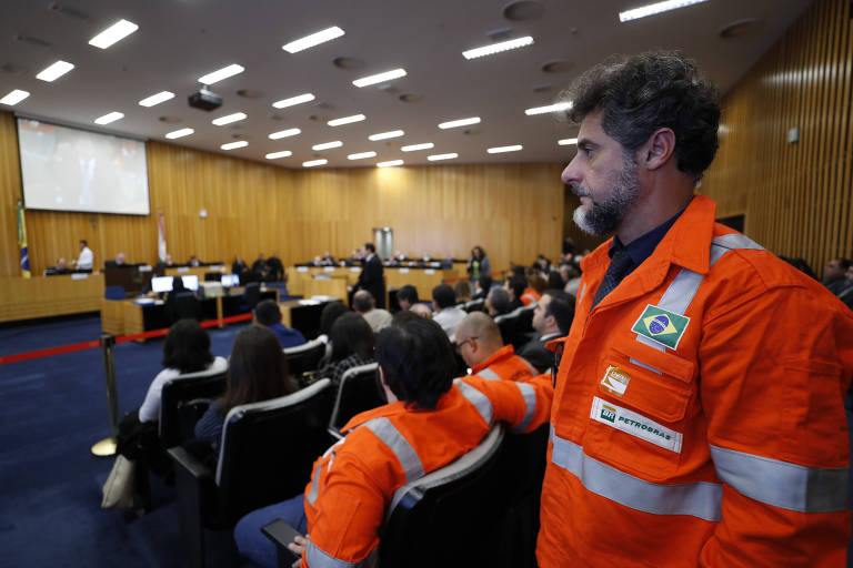 Resultado de imagem para Petrobras vai recorrer de decisão do TST sobre ação trabalhista