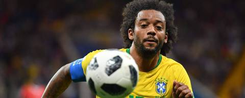 Brazil's defender Marcelo controls the ball during the Russia 2018 World Cup Group E football match between Brazil and Switzerland at the Rostov Arena in Rostov-On-Don on June 17, 2018. / AFP PHOTO / JOE KLAMAR / RESTRICTED TO EDITORIAL USE - NO MOBILE PUSH ALERTS/DOWNLOADS