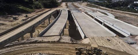 SAO PAULO - SP - 20.06.2018 - Obras do Rodoanel com a rodovia Fernão Dias (no Km 82). O governo de SP anunciou mais um atraso na entrega das obras do trecho norte do Rodoanel, que agora ficará para 2019. (Foto: Danilo Verpa/Folhapress, COTIDIANO)