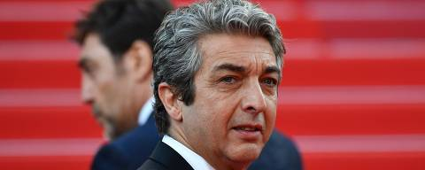 Argentinian actor Ricardo Darin poses as he arrives on May 8, 2018 for the screening of the film
