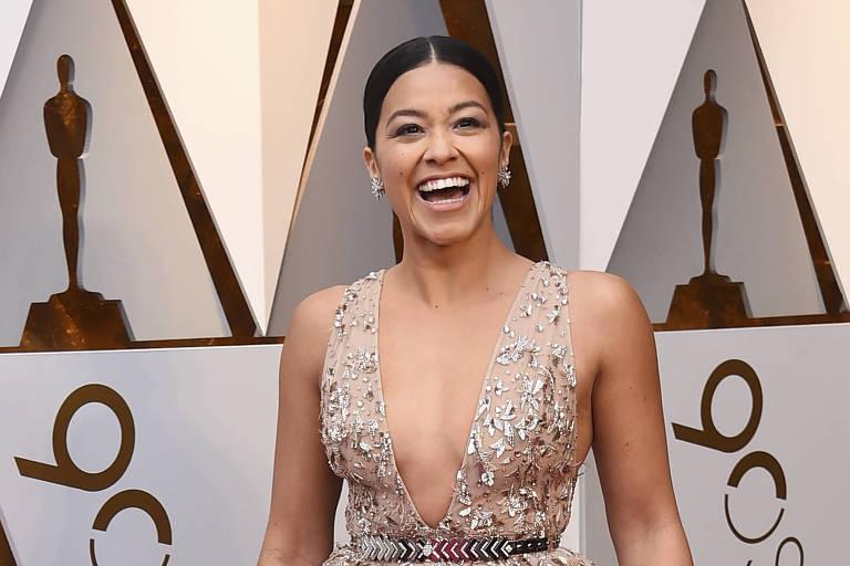 Gina Rodríguez usará dinheiro do Emmy para pagar estudos de imigrante