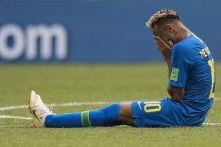 Choro de Neymar é mais debatido do que o futebol
