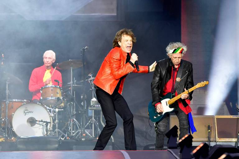 Baterista dos Rolling Stones deixa turnê após passar por cirurgia de emergência
