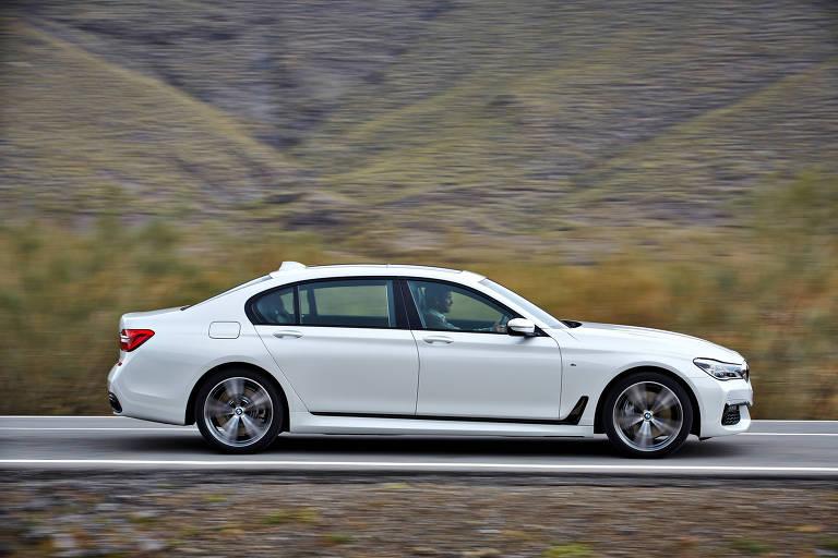 Sedã BMW 750iL, que é vendido no mercado nacional por R$ 760 mil