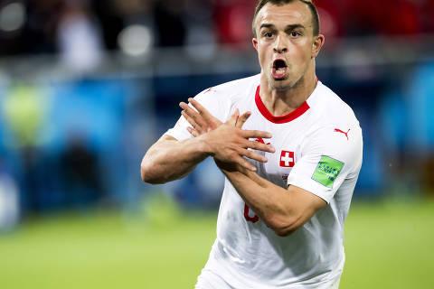 Fifa abre processo contra jogadores suíços após gesto polêmico