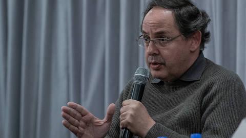 SÃO PAULO, SP, BRASIL, 05-06-2018: Eduardo Giannetti, durante o debate